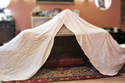build an indoor fort, build an indoor cubby, rainy day activities, fun for kids, fun kids activities