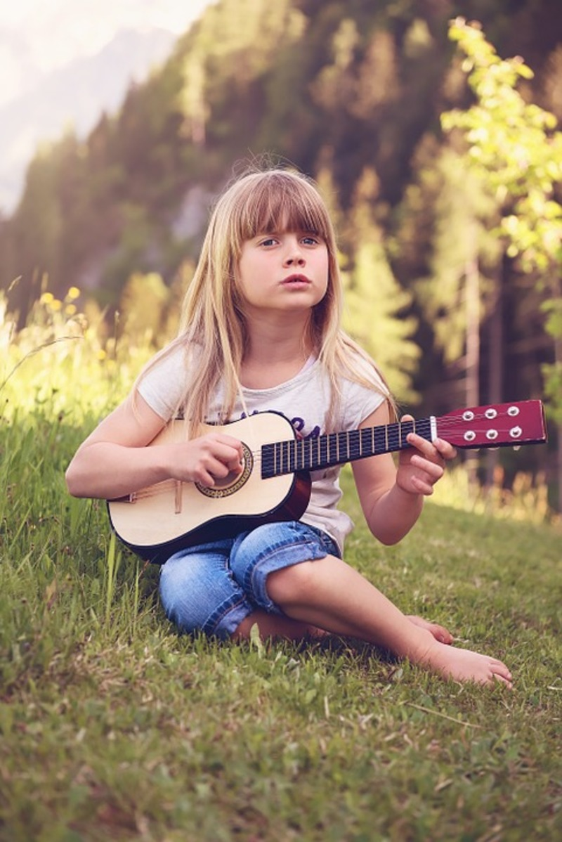 Tips on How to Teach Kids to Play Guitar